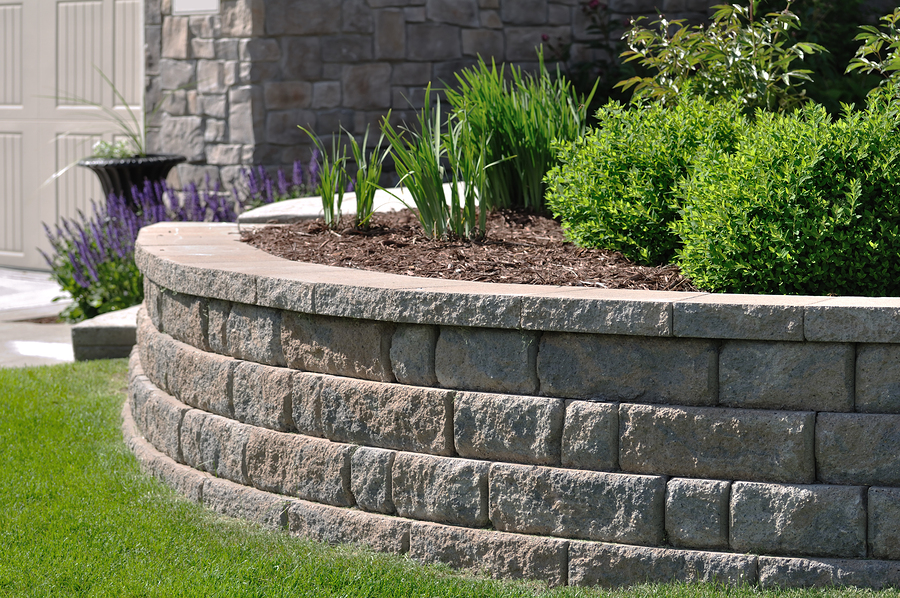 lawn concrete retaining walls