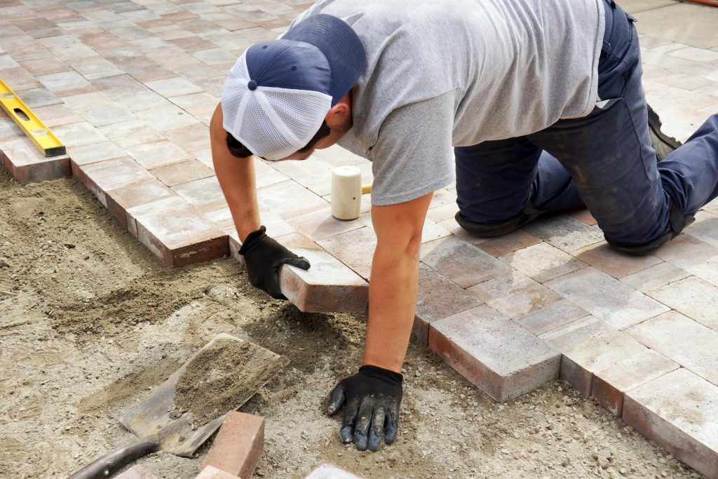 this image shows driveway pavers in simi valley