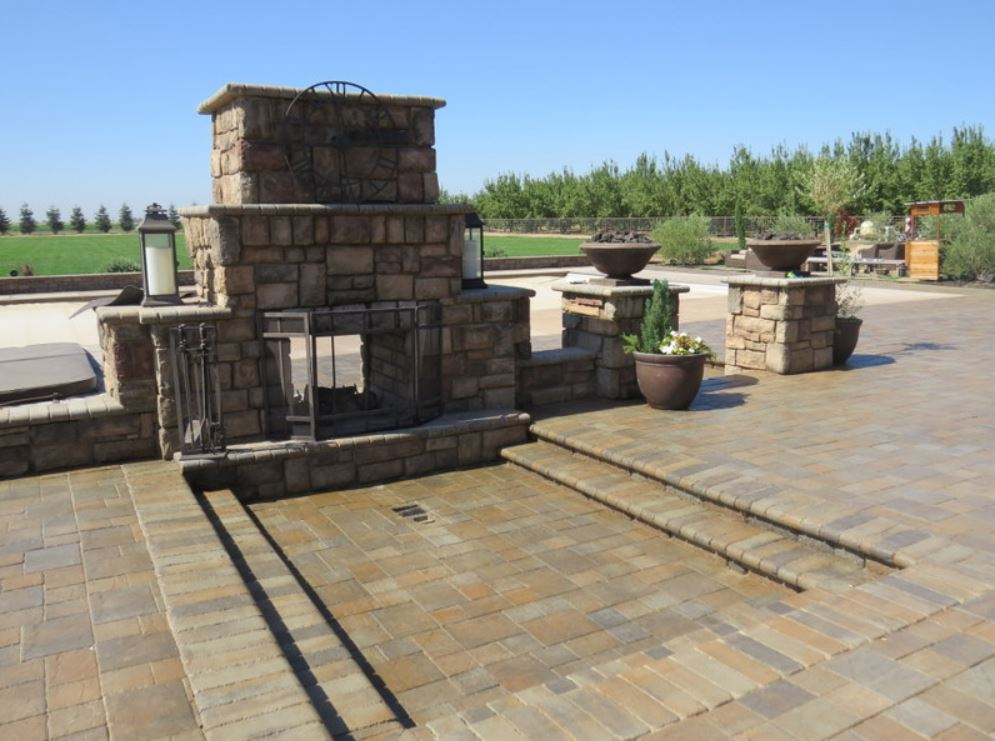 this is an image of outdoor fireplace in Simi Valley