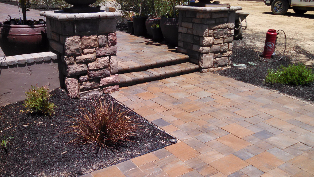 this is an image of stone pavers in Simi Valley