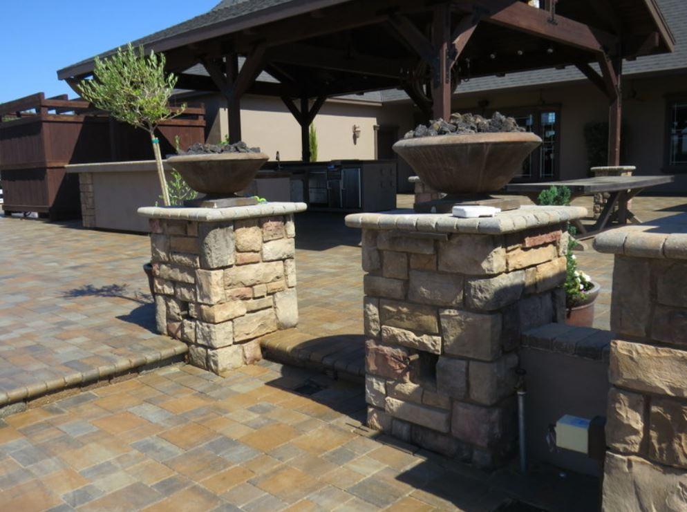 Simi Valley-stacked-stone-pillars